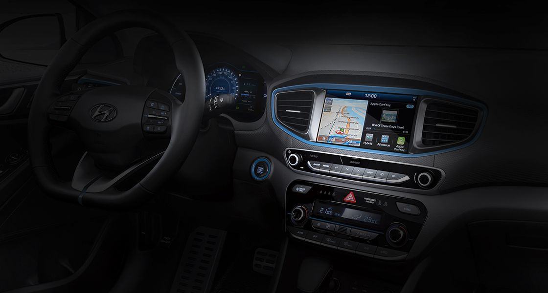 Apple Car Play, Android Auto i bežično punjenje